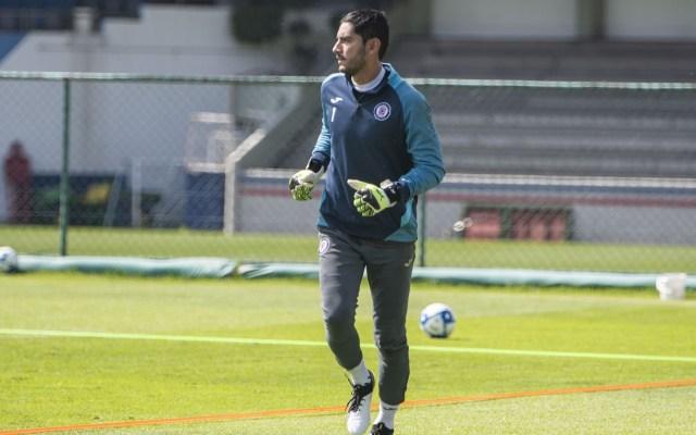 Jesús Corona renueva contrato con Cruz Azul hasta 2021 - José de Jesús Corona durante el entrenamiento del equipo Cruz Azul. Foto de Mexsport.