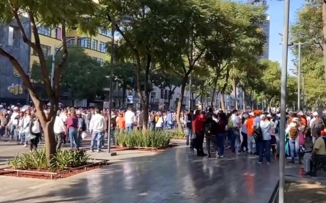 Maestros del SNTE marchan al Zócalo de la Ciudad de México - Marcha SNTE Ciudad de México Zócalo