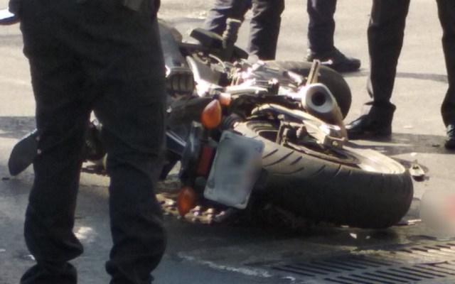 Muere motociclista atropellado en calles del Centro Histórico - Foto de _Saacki