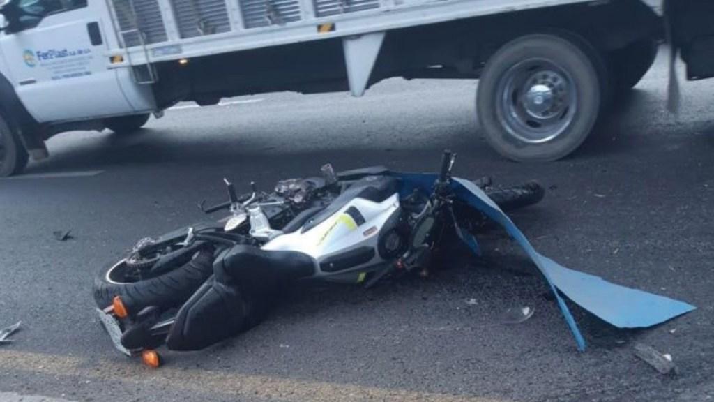 Muere motociclista al chocar contra un tráiler en Texcoco. Noticias en tiempo real