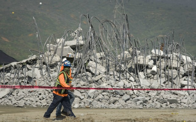 Demócratas y republicanos pactan otros mil 375 millones para muro con México - Foto de EFE