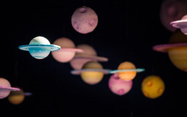 Descubren exoplaneta girando alrededor de una estrella enana blanca - Photo by David Menidrey on Unsplash