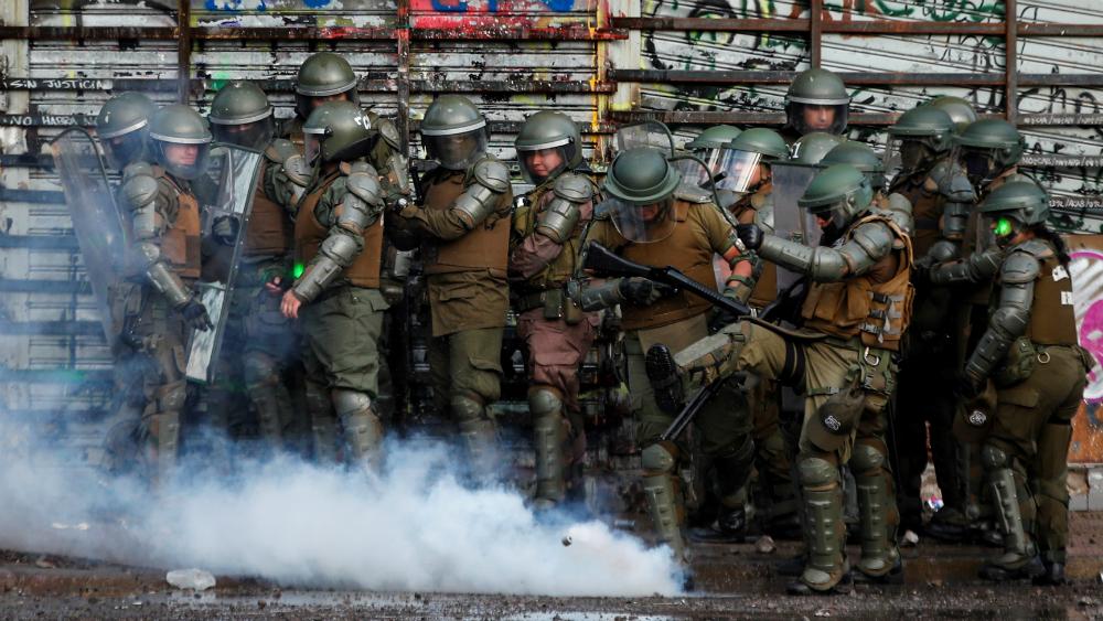 Policía de Chile no siempre diferenció manifestantes pacíficos de violentos, dijo la ONU - Foto de EFE