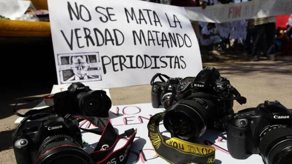 México es el país de Latinoamérica con más periodistas asesinados - Protesta contra la violencia y asesinato de periodistas en México. Foto de EFE / Archivo
