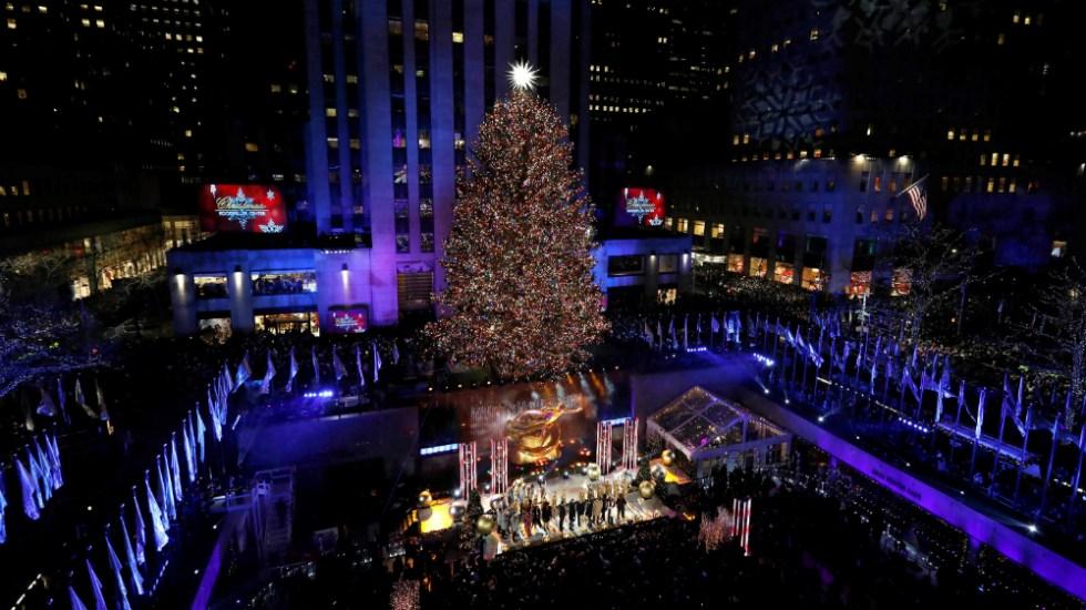 Llegó la Navidad a Nueva York con encendido del árbol del Rockefeller Center - Foto de EFE