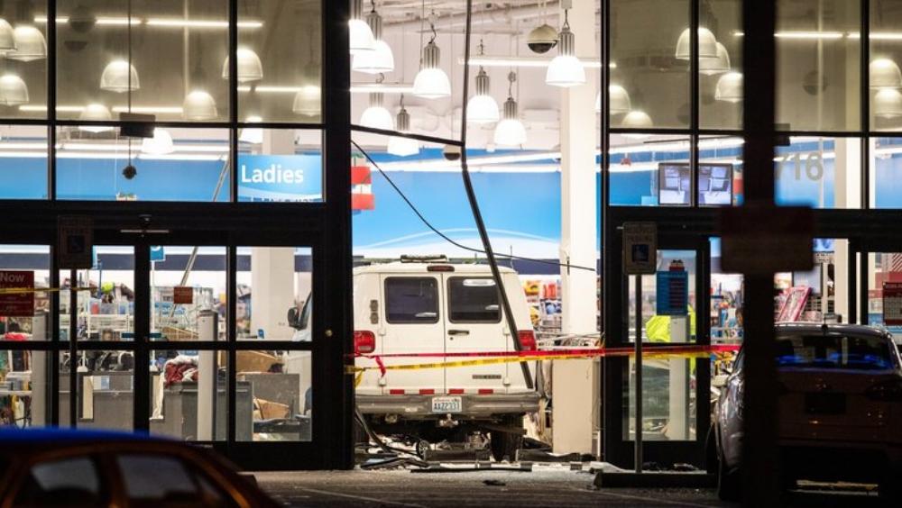 Conductor de camioneta arrolla a 11 personas en Estados Unidos - Conductor de camioneta arrolla 11 personas en EE.UU.