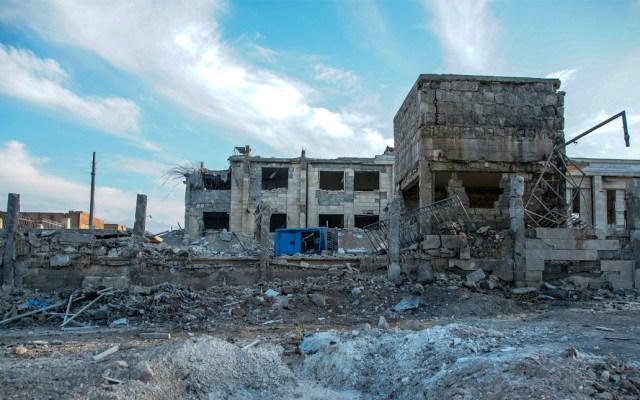 Suman 21 muertos por ataques de Damasco contra noroeste de Siria - Vista de un edificio derruido tras unos ataques aéreos en Idlib, Siria. Foto de EFE