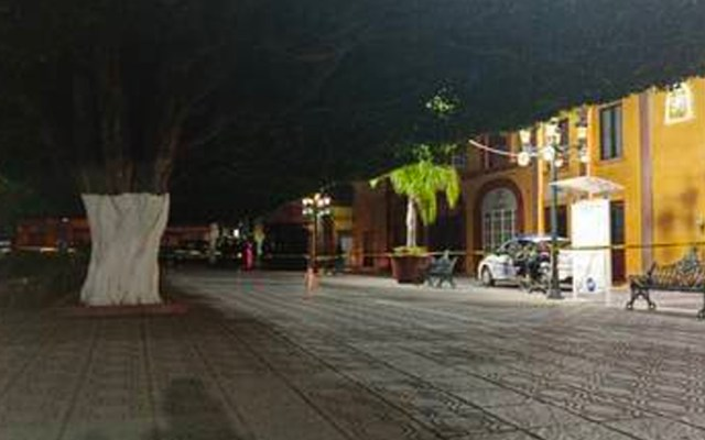 Ataque a oficinas de tránsito en Tarimoro, Guanajuato, deja cuatro muertos - Ataque a oficinas de tránsito en Tarimoro. Foto de @SenorMictlan