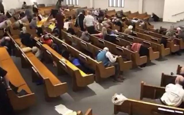 #Video Así fue el tiroteo en iglesia de Texas que dejó dos muertos - Tiroteo en iglesia de Texas que dejó dos muertos