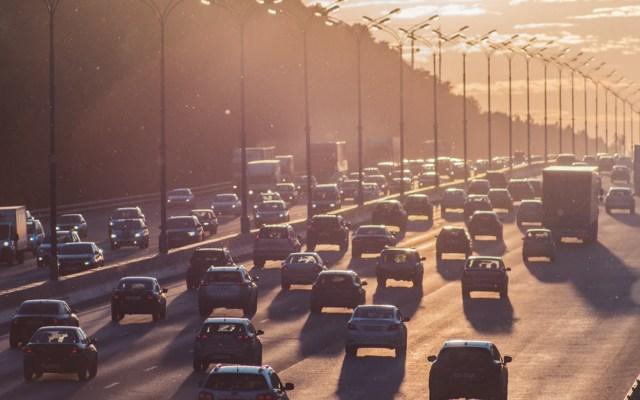 Contaminación por tráfico provoca obesidad en mujeres mexicoamericanas - Foto de Alexander Popov @5tep5