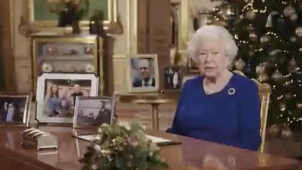 La reina Isabel II pide avanzar hacia la reconciliación