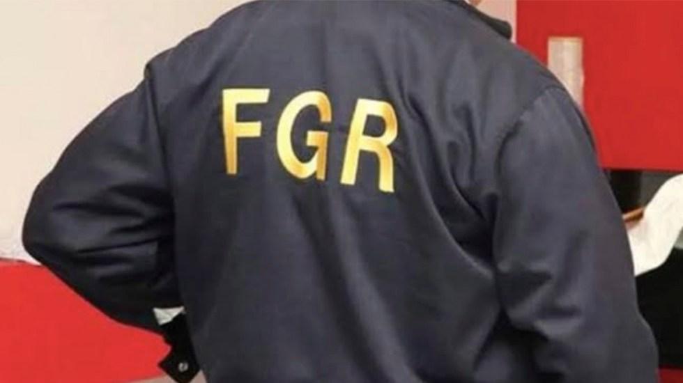 FGR entrega en extradición a ocho hombres buscados en EE.UU. - Agente de la FGR. Foto de FGR