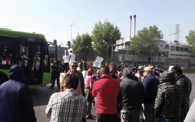 Vecinos protestan por falta de agua en GAM - Foto de @Patrici17825518