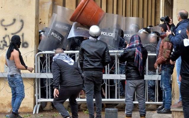 Al menos 100 heridos durante protestas en Beirut - Al menos 100 heridos durante protestas en Beirut