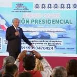 Presentan el cachito de lotería para rifar el avión presidencial - AMLO presenta diseño del 'cachito' para rifa del avión presidencial