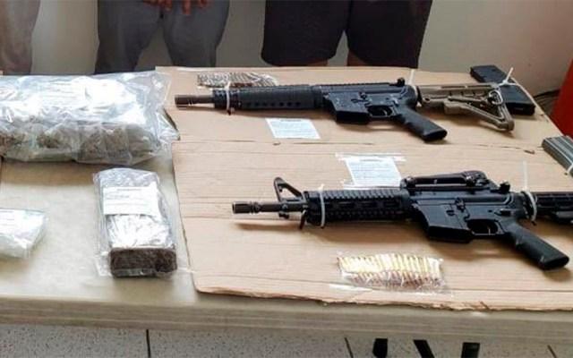 Desintegran célula delictiva con presencia en siete zonas de Veracruz - Armas y droga decomisadas a célula delictiva en Veracruz. Foto de @SP_Veracruz