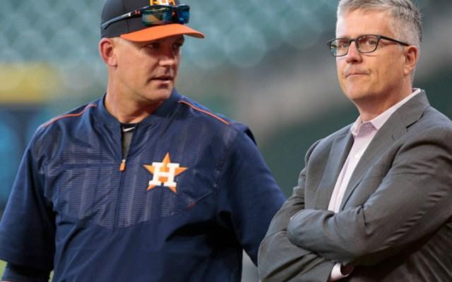 Astros de Houston despide a manager y gerente general tras escándalo - Foto de MLB.com