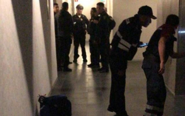 Balacera deja tres muertos en edificio de Ejército Nacional - Foto de @alertasurbanas