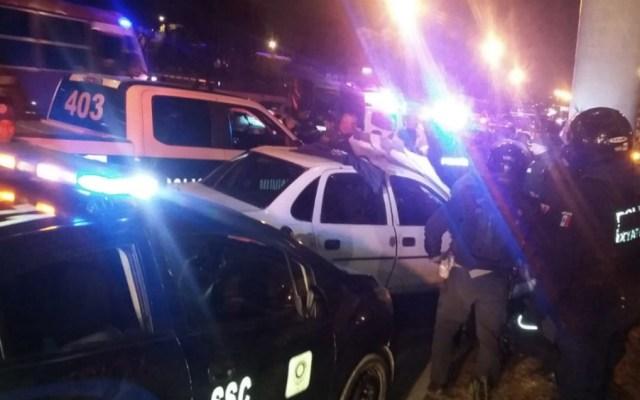 Persecución y balacera en Periférico Sur deja un muerto - Foto de  @PERIODISMOURMEX