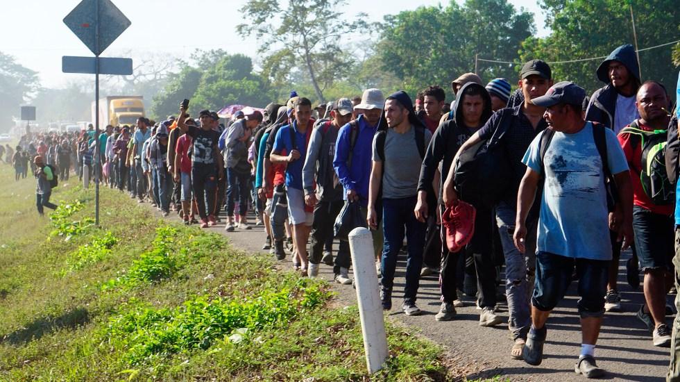 Delincuentes centroamericanos huyen en caravanas migrantes y buscan operar desde México - Caravana de migrantes centroamericanos. Foto de EFE