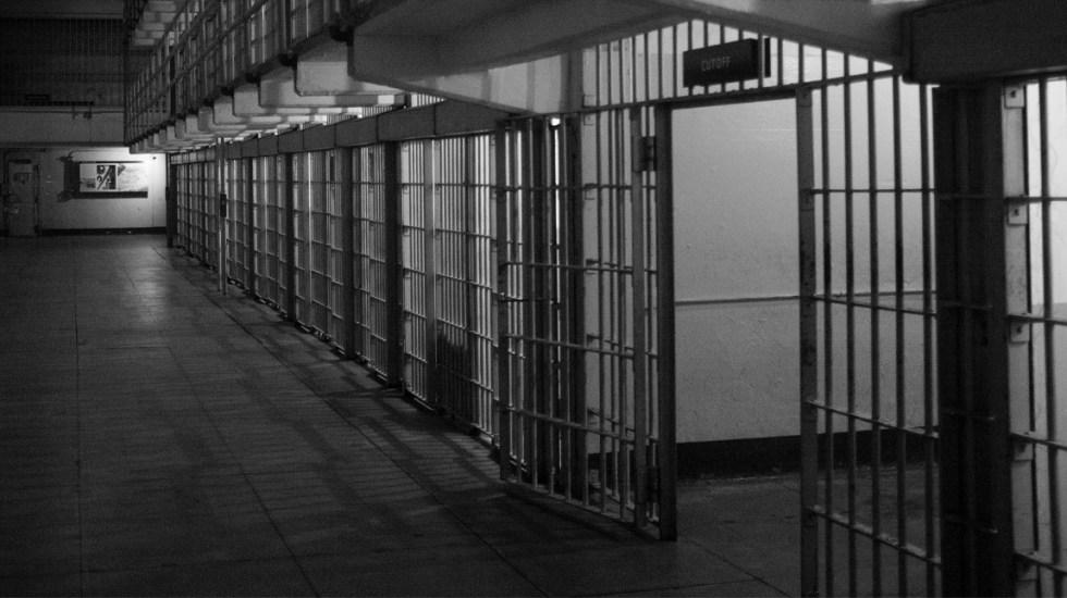Médico en condición de discapacidad es condenado en EE.UU. por narcotráfico - La FGE de Sinaloa informó que el responsable de intento de feminicidio de una mujer y su hija, en el municipio de Mazatlán, ya fue sentenciado a 49 años y dos meses de cárcel