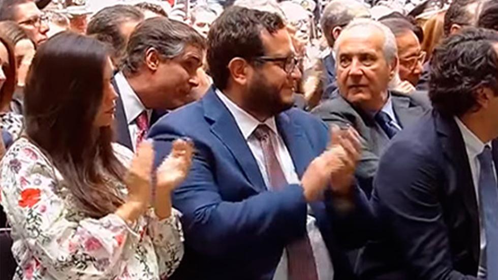 Nace primer nieto de Andrés Manuel López Obrador - Carolyn Adams y José Ramón López en Primer Informe de Gobierno de AMLO. Captura de pantalla