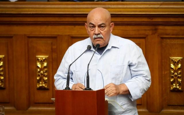 """Chavismo llama a """"rodear"""" la sede del Parlamento venezolano - El diputado oficialista Darío Vivas"""