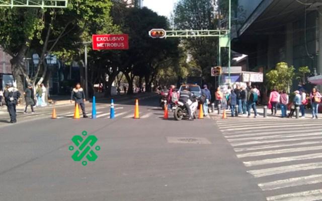 #Video Integrantes de la ANUEE marchan sobre Avenida Insurgentes - Cierre de Av Insurgentes. Foto de @OVIALCDMX