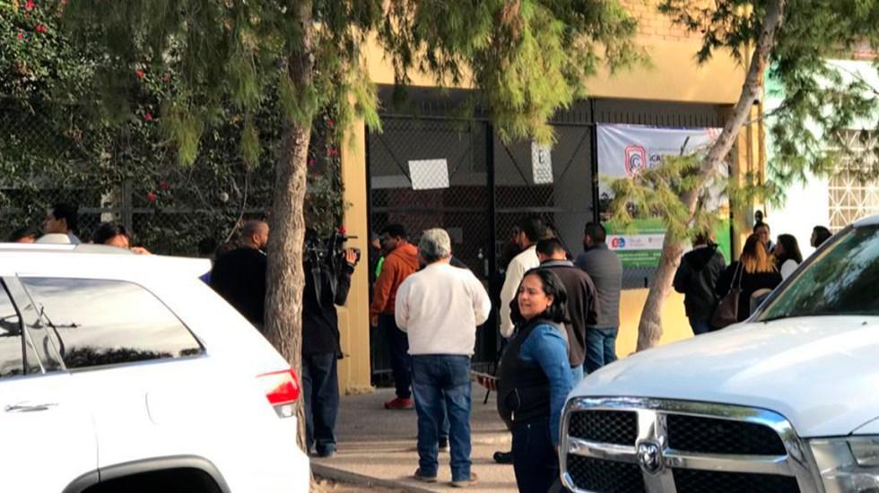 Armas usadas por menor en colegio de Torreón eran de su abuelo, revela FGE - Entrada alterna del Colegio Cervantes de Torreón. Foto de FGE Coahuila