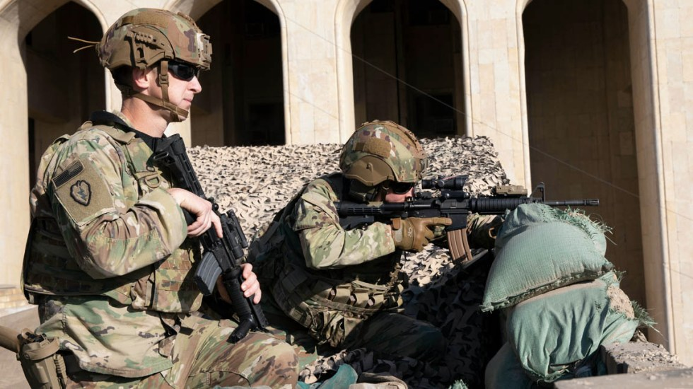 Cohetes impactan base militar en Irak con presencia de tropas de EE.UU. - Estados Unidos soldados Irak