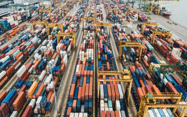Balanza comercial de México registra déficit de 2 mil 416 mdd en enero - déficit