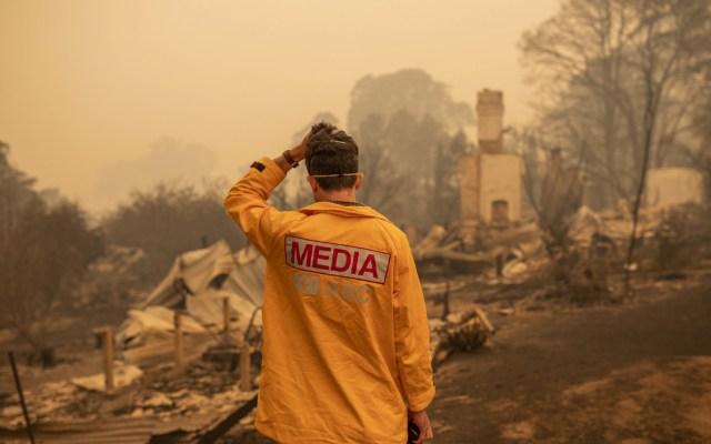 Incendios en Australia pudieron evitarse, asevera experto - Fotorreportero ante devastación en Australia por incendios. Foto de EFE