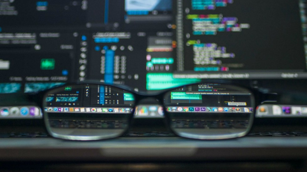 Cibercriminales aprovechan pandemia de COVID-19 para robar datos - Foto de Kevin Ku para Unsplash