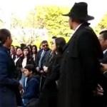 #Video Mujer grita a José Manuel Mireles y acompañante la abofetea