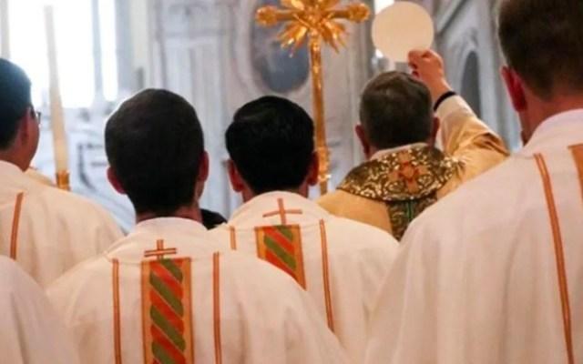 Víctima de Legionarios propone interponer demanda colectiva contra sacerdotes - Víctima de Legionarios propone interponer demanda colectiva contra sacerdotes