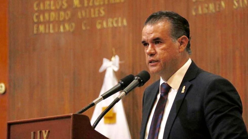 #Video Diputado afirma que rifa del avión presidencial pagará deuda externa de México - Mauricio Alberto Ruiz Olaes. Foto de @Legislatura_Qro