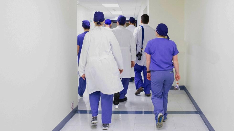 Suprema Corte avala derecho de médicos a la objeción de conciencia - Médicos. Foto de Luis Melendez / Unsplash