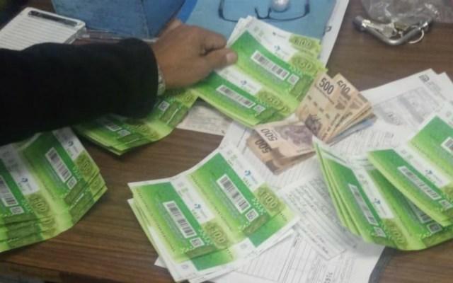 Usuario devuelve 10 mil pesos en Metro Chabacano - Foto de @MetroCDMX