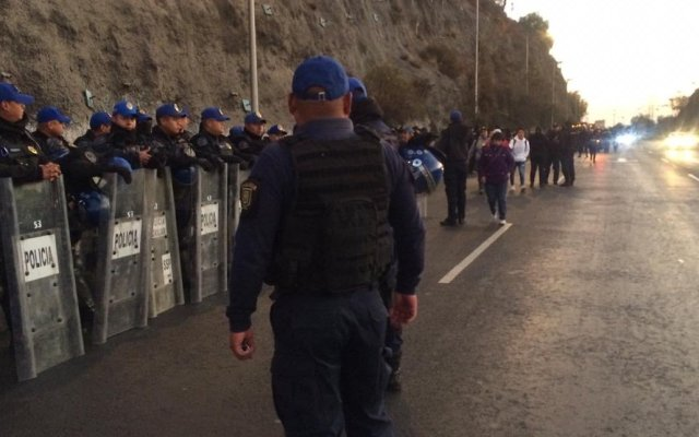 Liberan la México-Pachuca; transportistas amagan con movilización al Zócalo - El operativo de la Secretaría de Seguridad Ciudadana en la México-Pachuca. Foto de @Central_CM