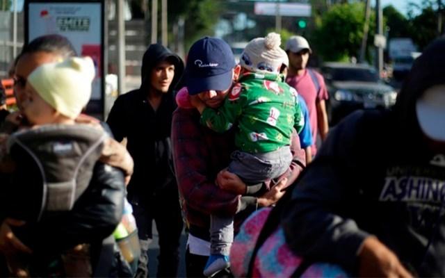 Nueva caravana migrante ya se encuentra en Guatemala - Una caravana de 60 migrantes salvadoreños partió el lunes rumbo a Estados Unidos. Foto de EFE