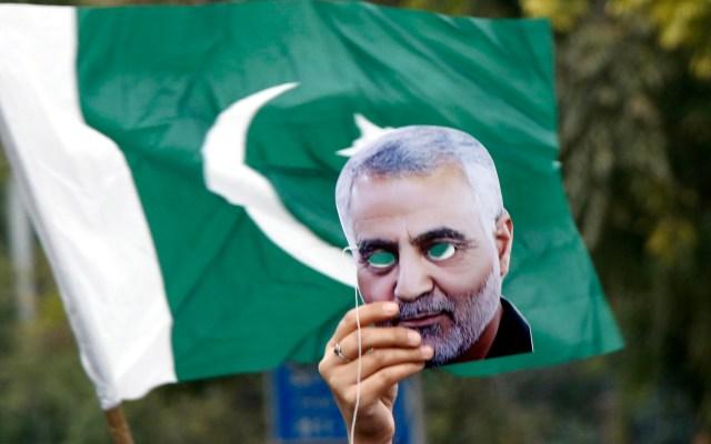 Pakistán se ofrece a mediar crisis entre Irán y Estados Unidos - Manifestación en Pakistán por asesinato de Soleimani. Foto de EFE