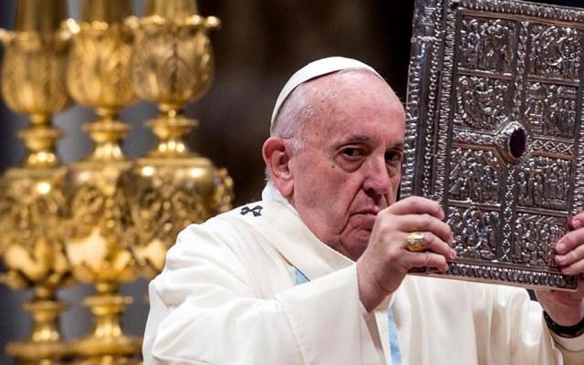 Papa Francisco llama a frenar resurgimiento del antisemitismo en el mundo - Papa Francisco pide perdón por reprender a mujer que le agarró la mano