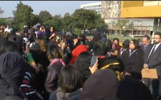 Habrá ocho movilizaciones en la Ciudad de México este viernes - Protesta de alumnos en la Torre de Rectoría de CU. Captura de pantalla