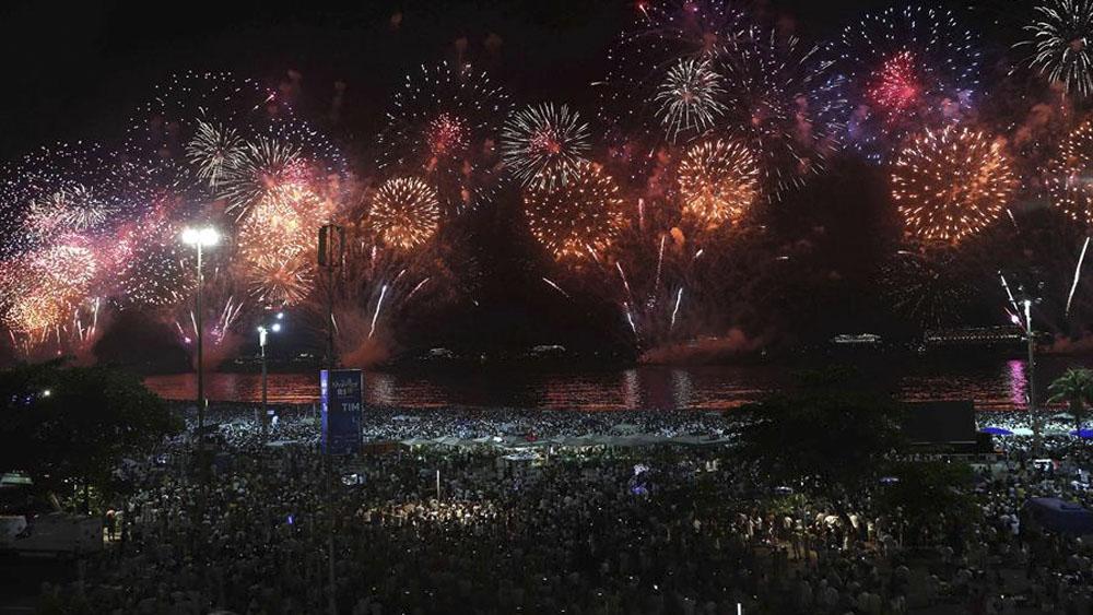 Nuevo récord de asistencia durante fiesta de fin de año en Río de Janeiro - Nuevo récord de asistencia durante fiesta de fin de año en Río de Janeiro