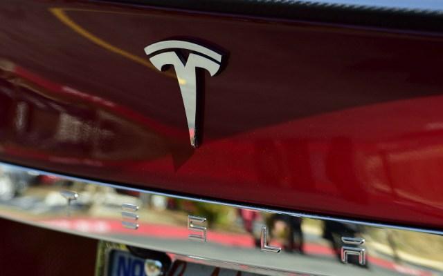 Tesla produjo 367 mil 561 vehículos en 2019, un 50 por ciento más que el año anterior - Foto de EFE