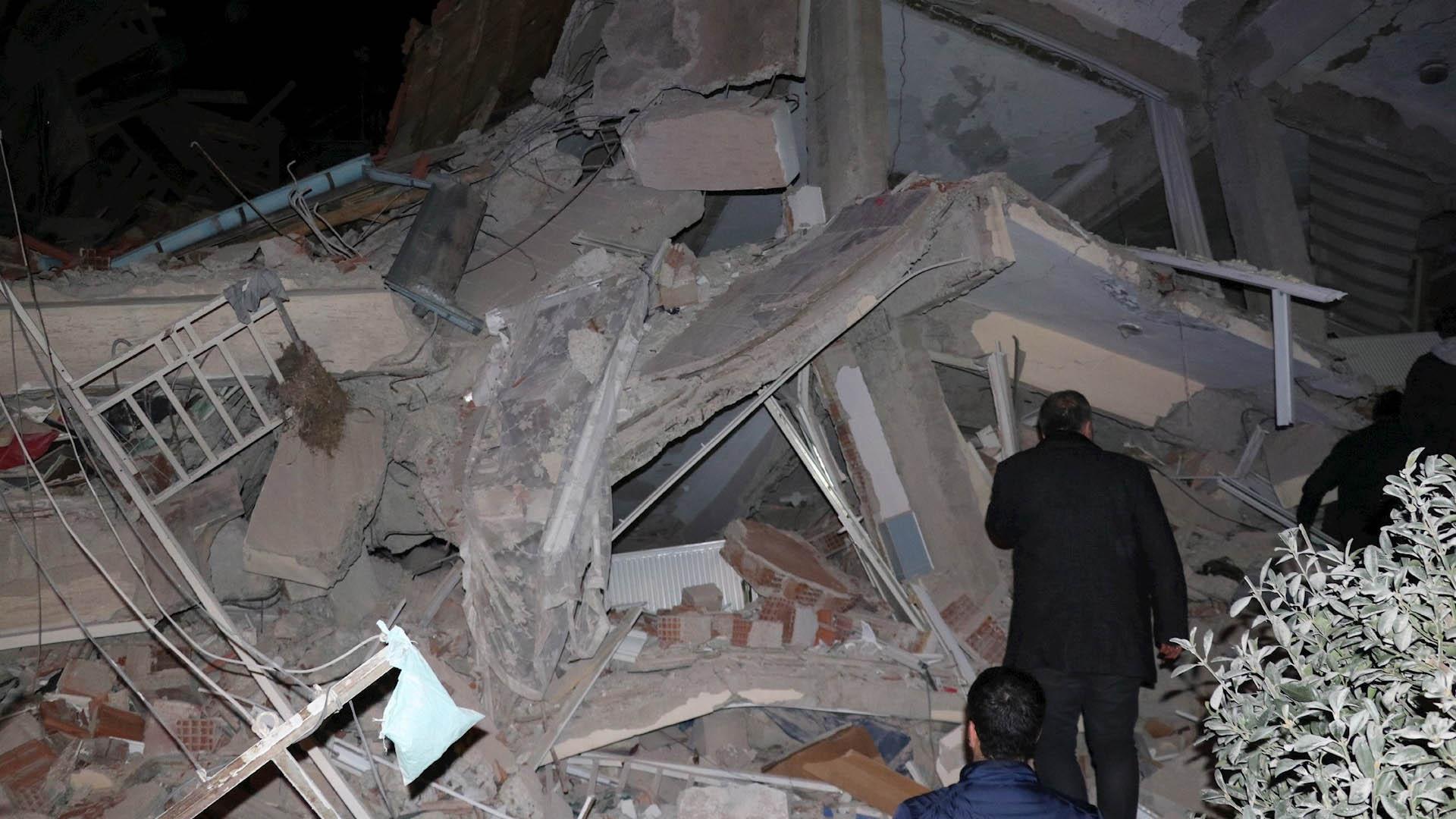 Turquía sismo edificios derrumbe daños
