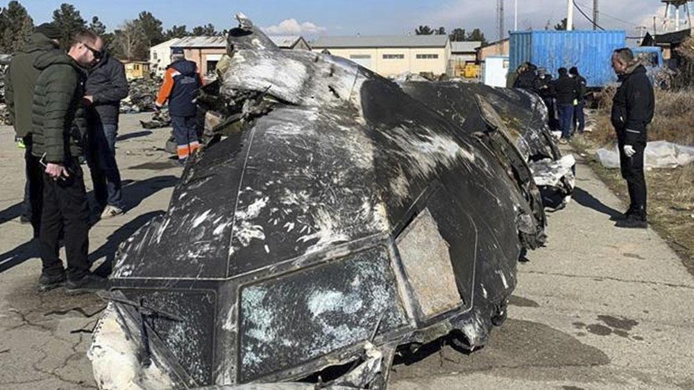 Irán enviará a Ucrania cajas negras del avión derribado - UE pide cooperación a Irán tras reconocer derribo de avión ucranio