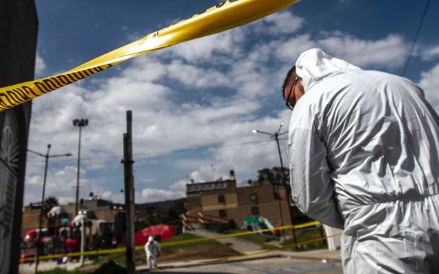 AMLO insiste que el 1 de diciembre habrá resultados en seguridad - Peritos analizan suceso de violencia en el Estado de México. Foto de Notimex-Ernesto Álvarez.