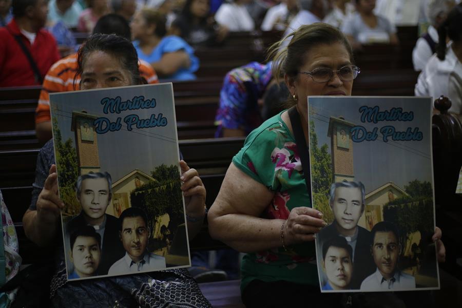 Celebran reconocimiento como mártir del cura Rutilio Grande en El Salvador