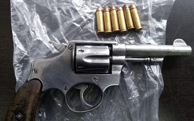 Detienen en Uruapan a cuatro sujetos con armas y metanfetamina - Foto de @MICHOACANSSP